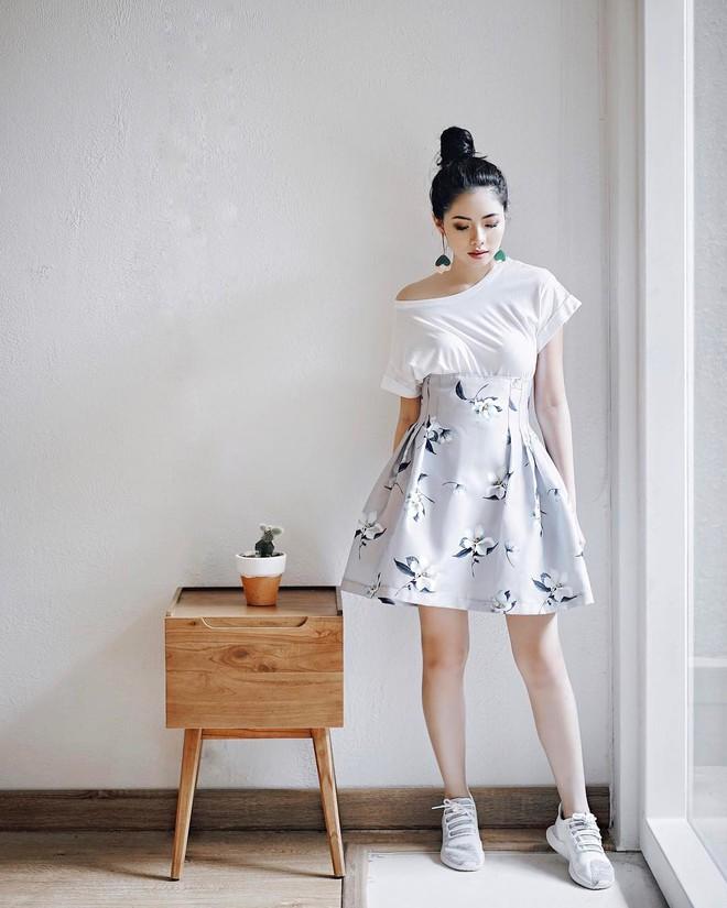 Thử kết hợp chân váy cùng áo phông: tưởng không hợp mà hợp không tưởng - Ảnh 16.