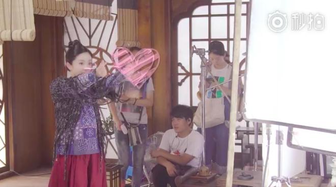 Dương Mịch nhí nhảnh, bắn tim khắp phim trường Phù Dao hoàng hậu - Ảnh 3.