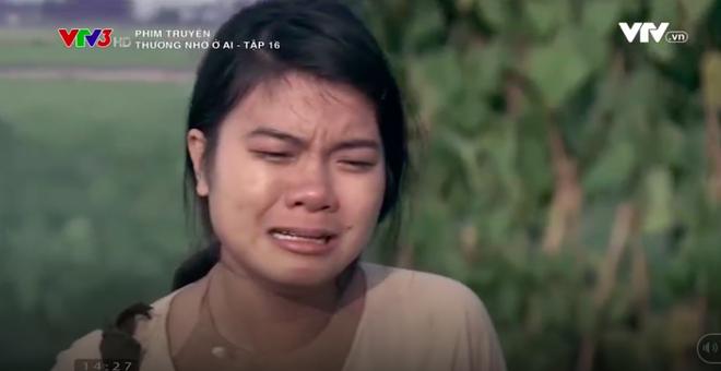 Nữ diễn viên Thương nhớ ở ai cởi áo, khoe trọn lưng trần trên truyền hình - Ảnh 8.