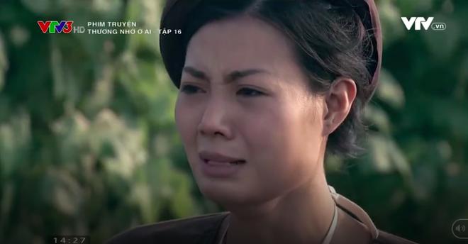 Nữ diễn viên Thương nhớ ở ai cởi áo, khoe trọn lưng trần trên truyền hình - Ảnh 9.