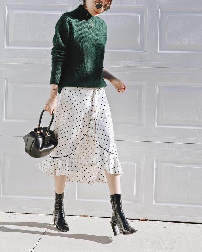 Cuối tháng 10, street style của phái đẹp châu Á ngày càng kín đáo và thu hút hơn - Ảnh 5.