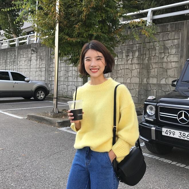 Cuối tháng 10, street style của phái đẹp châu Á ngày càng kín đáo và thu hút hơn - Ảnh 9.