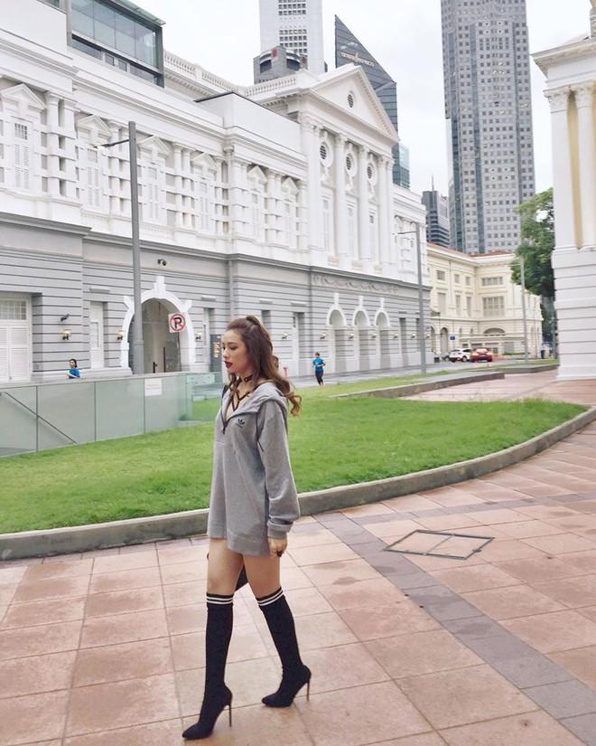 Thu/Đông này, không phải blazer, những đôi giày kiêm tất mới là món đồ đang chiếm lĩnh tủ đồ của sao Việt - Ảnh 19.