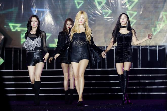 Fan Việt đội mưa hơn 5 tiếng chờ xem concert T-ara tại Việt Nam - Ảnh 6.