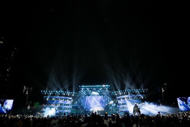 Fan Việt đội mưa hơn 5 tiếng chờ xem concert T-ara tại Việt Nam - Ảnh 13.