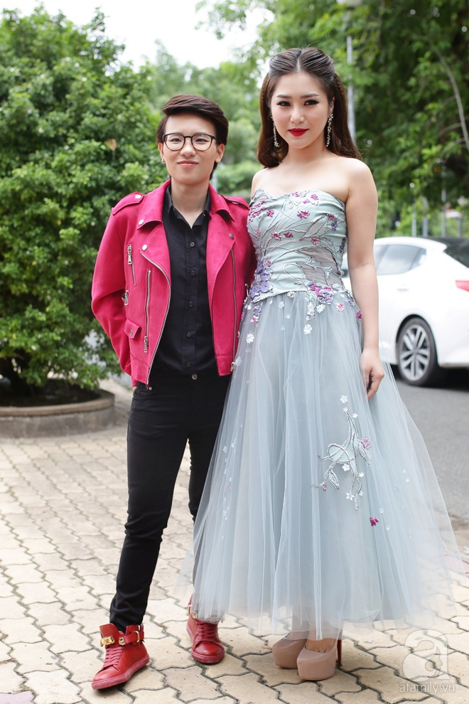 Soobin Hoàng Sơn, Vũ Cát Tường cười toe toét khi đụng hàng giày hàng hiệu - Ảnh 6.