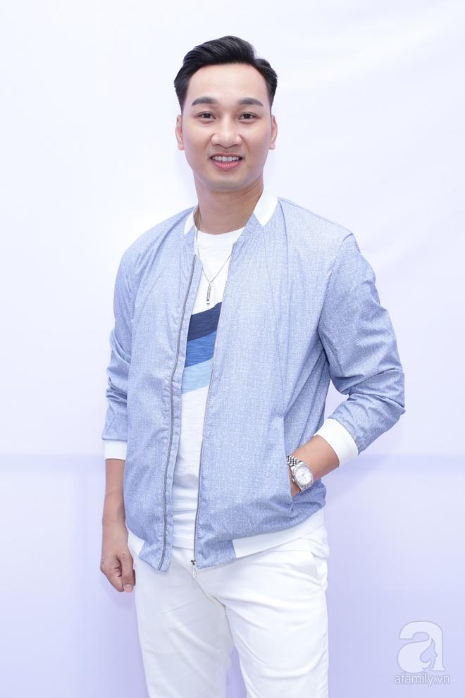Soobin Hoàng Sơn, Vũ Cát Tường cười toe toét khi đụng hàng giày hàng hiệu - Ảnh 9.
