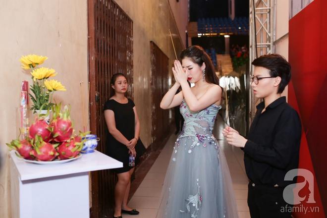 Soobin Hoàng Sơn, Vũ Cát Tường cười toe toét khi đụng hàng giày hàng hiệu - Ảnh 10.