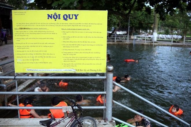 Hà Nội: cả làng cùng hùn tiền cải tạo, biến ao ô nhiễm thành bể bơi miễn phí cho trẻ em - Ảnh 2.