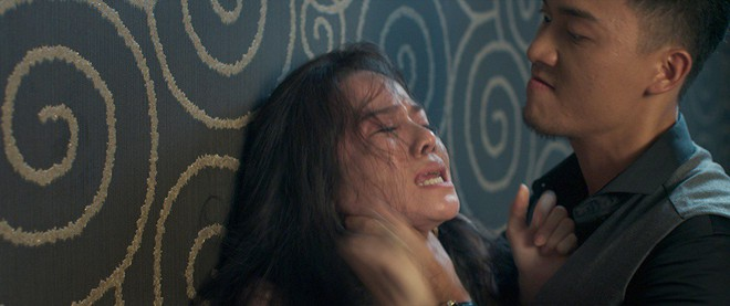 Mẹ một con Nhật Kim Anh bị bắt cóc và cưỡng bức trong phim mới - Ảnh 3.