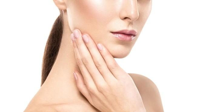 Khỏi cần tìm đâu xa với giá cả đắt đỏ, 7 thực phẩm giúp tăng cường collagen cho da sẽ khiến chị em bất ngờ - Ảnh 1.