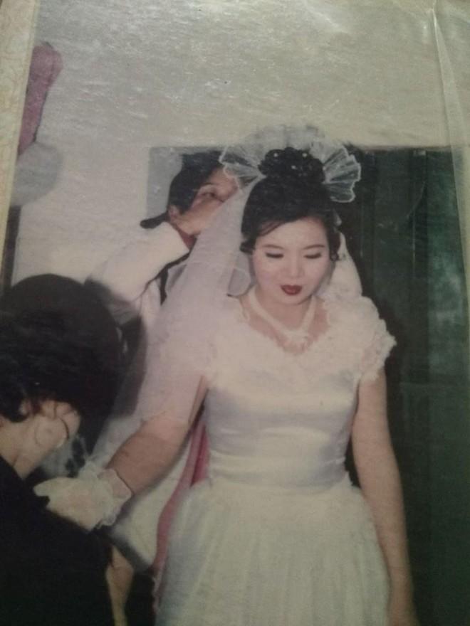 Đám cưới chất chơi thời bố mẹ anh thập niên 90: Pháo nổ râm ran, cả làng chạy theo cô dâu chú rể - Ảnh 35.