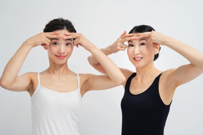 3 bài tập mỗi ngày giúp xóa phẳng nếp nhăn, mịn căng da mặt còn tốt hơn tiêm collagen: Phương pháp trẻ hóa gương mặt đến 10 tuổi của phụ nữ Nhật! - Ảnh 7.