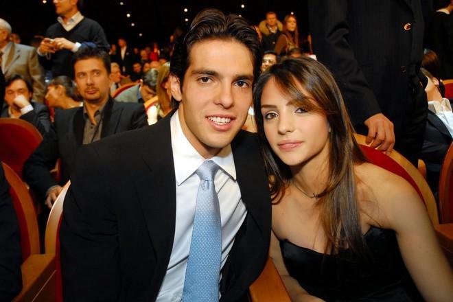 Chàng cầu thủ nổi tiếng thế giới có cuộc hôn nhân đẹp bỗng dưng tan vỡ chỉ vì một nàng... hoa hậu - Ảnh 1.