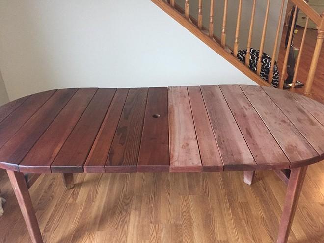 Sáp lau biến đồ gỗ cũ trở nên sạch đẹp như mới trong tích tắc - Ảnh 4.