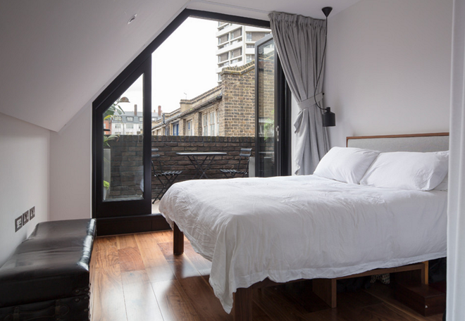 10 ý tưởng giúp phòng ngủ có diện tích nhỏ hẹp trở nên rộng đến bất ngờ - Ảnh 3.