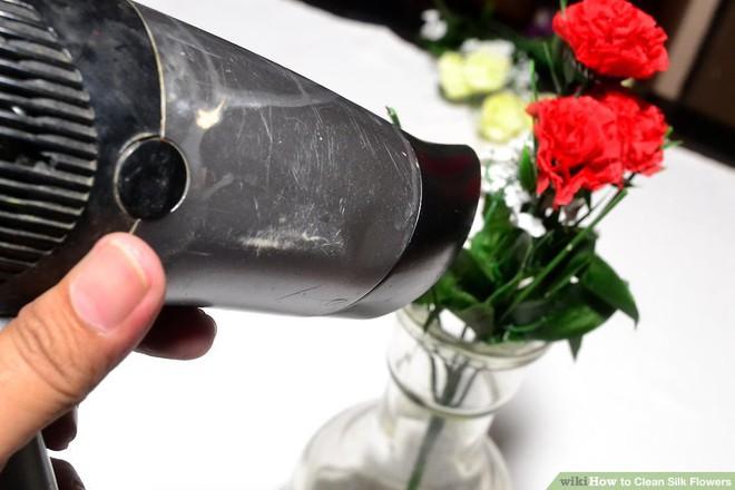 Mẹo hay làm sạch hoa lụa siêu dễ dàng, giúp căn nhà trở nên tươi mới trong tích tắc - Ảnh 11.