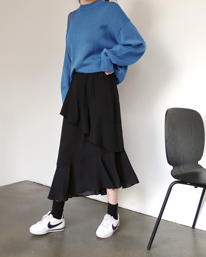 3 kiểu chân váy có chiều dài tới bắp chân này vừa giấu nhược điểm, lại vừa lên đồ diện Tết đẹp hết ý - Ảnh 6.