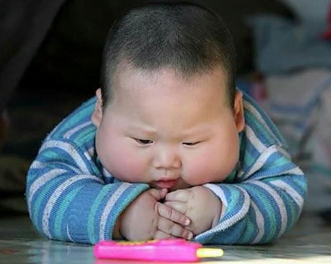 Không để trẻ sút cân hoặc béo phì sau Tết, mẹ cần cho bé tránh xa những loại đồ ăn này - Ảnh 2.