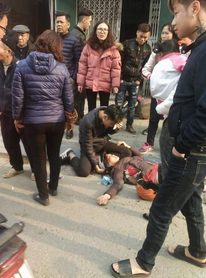 Hà Nội: Xe điên gây tai nạn liên hoàn, nhiều người đang về ăn Tết phải nhập viện - Ảnh 4.