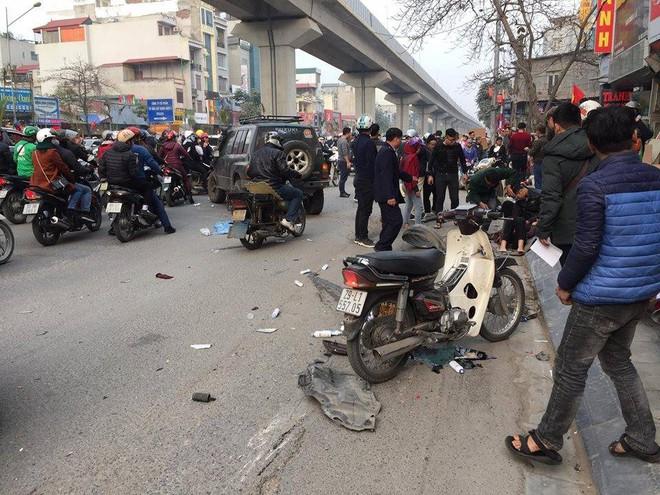 Hà Nội: Xe điên gây tai nạn liên hoàn, nhiều người đang về ăn Tết phải nhập viện - Ảnh 5.