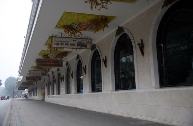 Sáng 29 Tết, nhiều tuyến phố Hà Nội đã vắng bóng người qua lại - Ảnh 12.