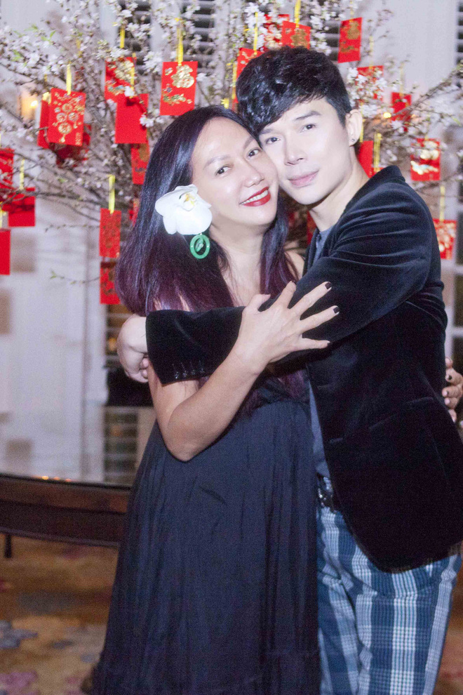 Nathan Lee chạy show xuyên Tết, vui vẻ đón năm mới dù chủ một mình - Ảnh 9.