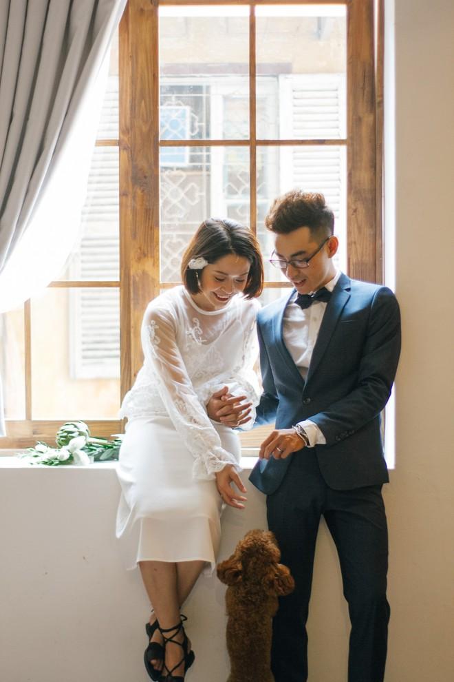 Xu hướng chọn trang phục chụp ảnh cưới 2018: đồ càng đơn giản càng đẹp, quan trọng nhất là ở thần thái - Ảnh 1.