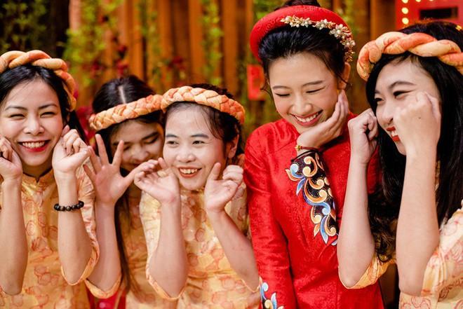 """Đám hỏi đỏ từ A-Z đậm chất Trung Hoa của cô sinh viên Harvard nguyện từ bỏ """"giấc mơ Mỹ"""" để ở lại Việt Nam vì người yêu - Ảnh 5."""