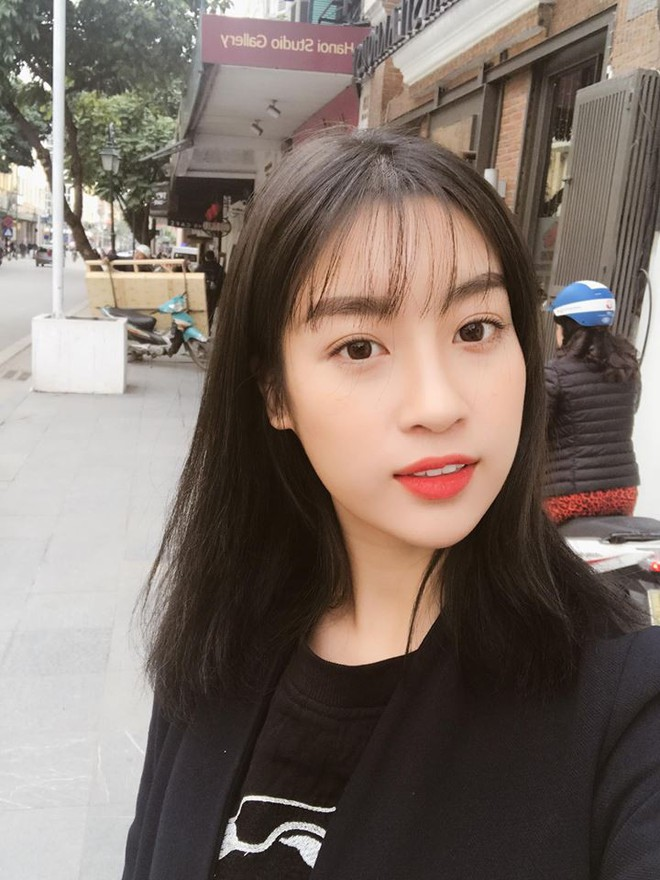 Hoa hậu Đỗ Mỹ Linh trẻ xinh ra vài tuổi khi cắt mái lưa thưa - Ảnh 2.