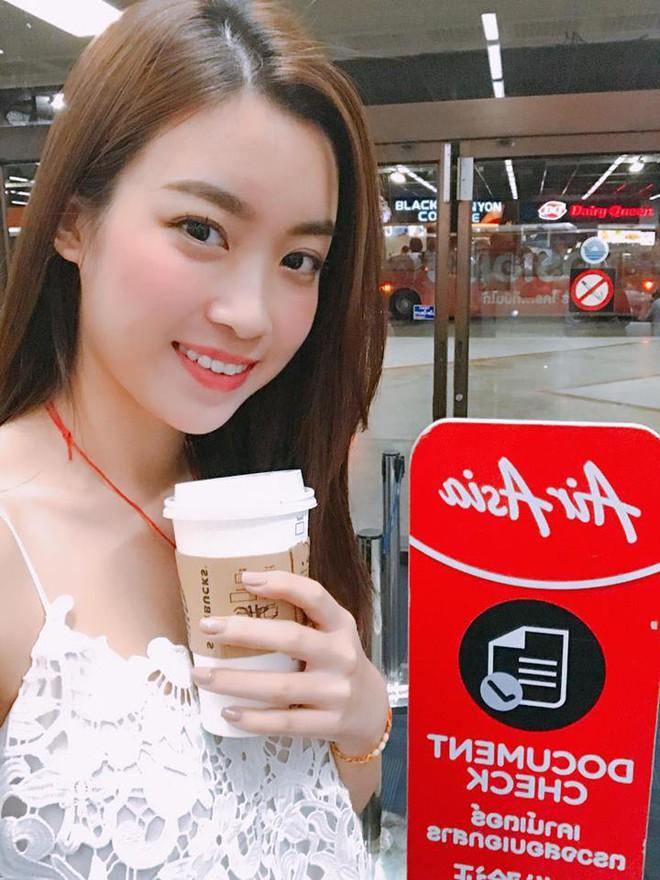 Hoa hậu Đỗ Mỹ Linh trẻ xinh ra vài tuổi khi cắt mái lưa thưa - Ảnh 7.