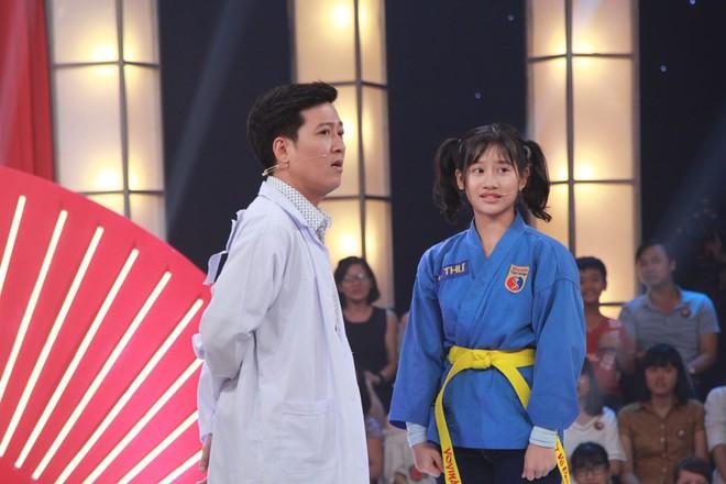 Thách thức danh hài: Cô bé 13 tuổi thổ lộ chưa đi diễn, nhưng bị phát hiện từng là thí sinh của gameshow hài - Ảnh 13.