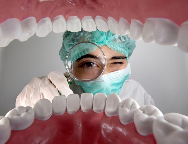 Chăm sóc sức khỏe răng miệng không đúng cách gây ra nhiều bệnh không ngờ cho sức khỏe - Ảnh 4.