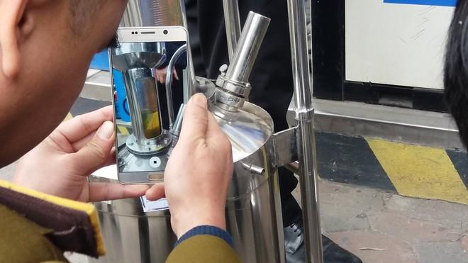Vụ khách hàng mua xăng có dung tích 70 lít bị tính tiền 80 lít: Thực tế xe là 80,9 lít - Ảnh 2.