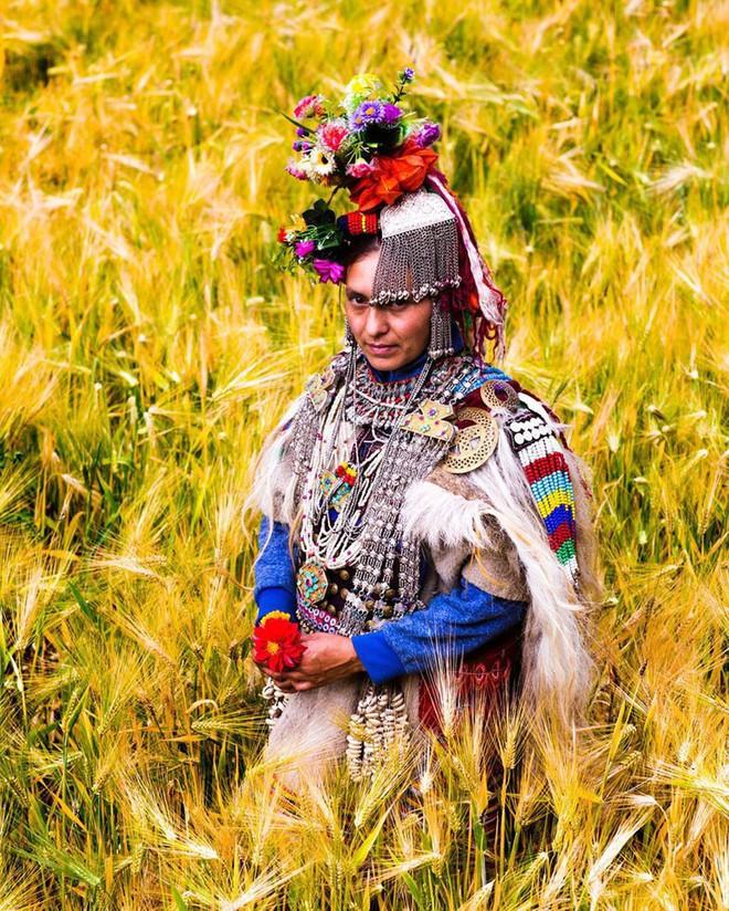 Vùng đất kỳ lạ nơi đàn ông được phép trao đổi vợ thoải mái với người khác - Ảnh 11.