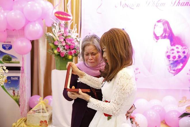 Cô giáo xinh đẹp mắc ung thư đã qua đời: Cảm ơn Hằng đã cho nhiều người thấy màu hồng trong bi kịch đời mình - Ảnh 11.