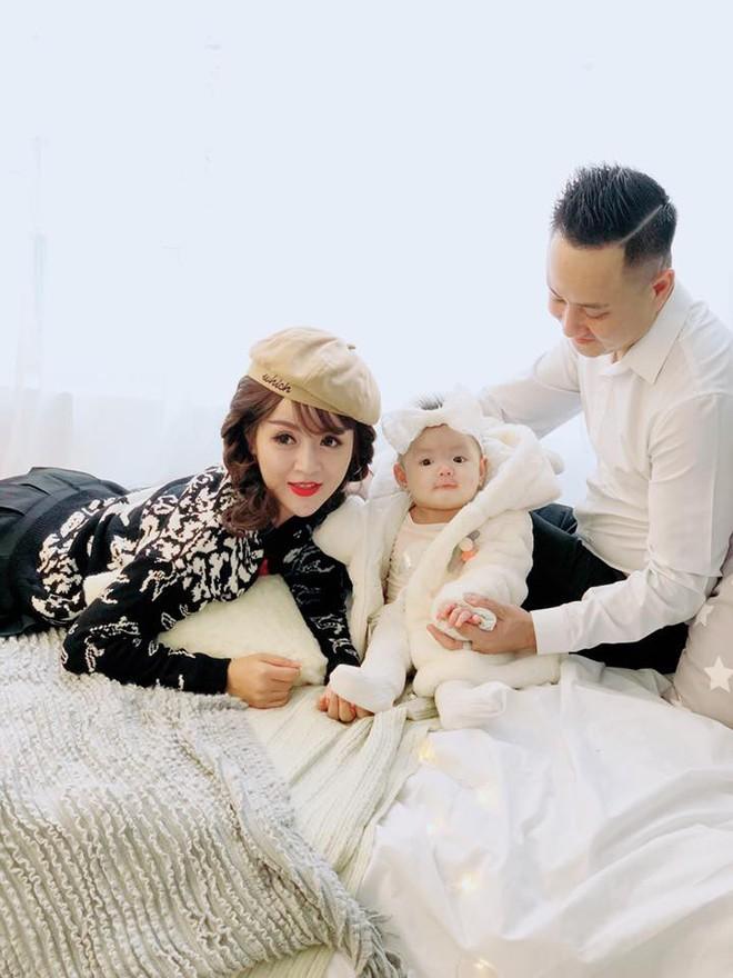 Bà mẹ trẻ có gương mặt xinh như búp bê lấy lại vóc dáng như thời con gái sau khi sinh 6 tháng - Ảnh 14.