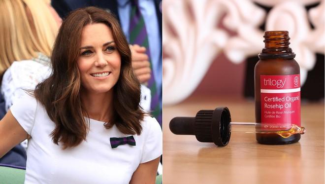 Mỹ phẩm mà công nương Kate Middleton yêu thích nhất: Có cả đồ tiền triệu lẫn những món bình dân chỉ vài trăm nghìn - Ảnh 1.