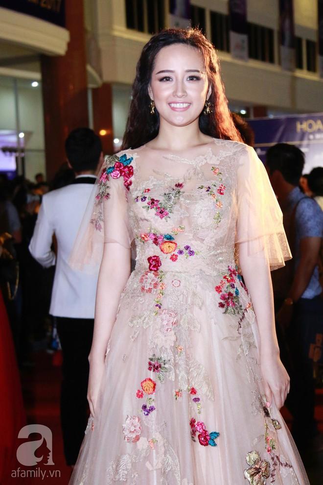 Hoa hậu Hoàn vũ 2008 Dayana Mendoza khoe vẻ đẹp tuyệt sắc, Mai Phương Thúy lộng lẫy như công chúa trên thảm đỏ chung kết Hoa hậu Hoàn vũ Việt Nam - Ảnh 6.