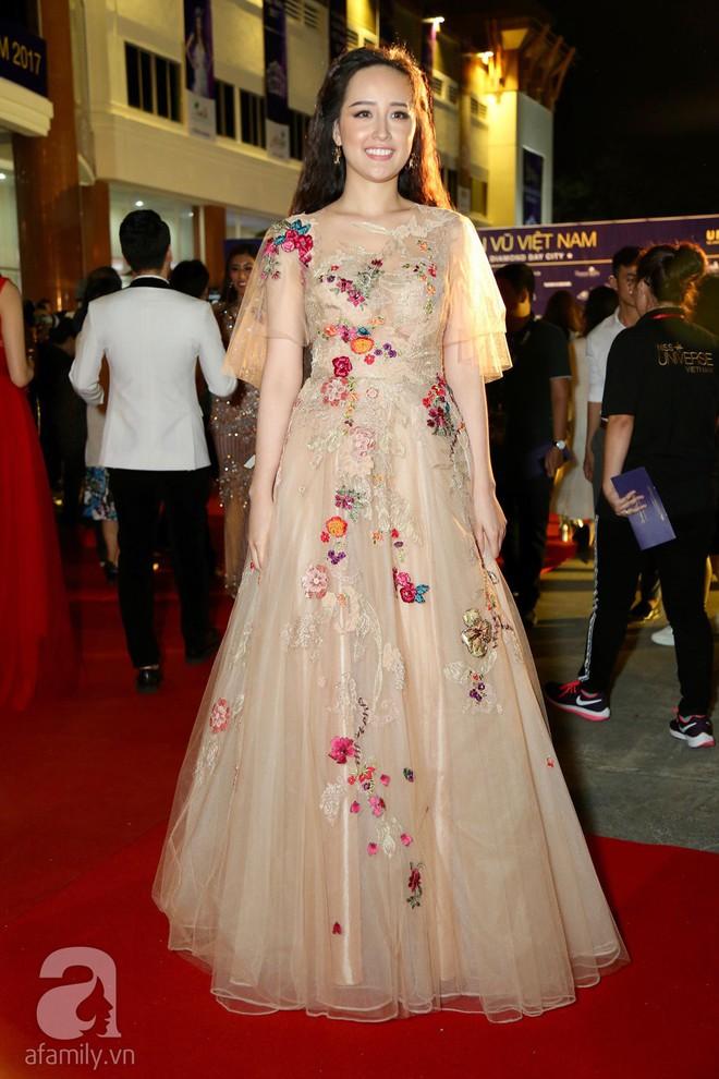 Hoa hậu Hoàn vũ 2008 Dayana Mendoza khoe vẻ đẹp tuyệt sắc, Mai Phương Thúy lộng lẫy như công chúa trên thảm đỏ chung kết Hoa hậu Hoàn vũ Việt Nam - Ảnh 5.