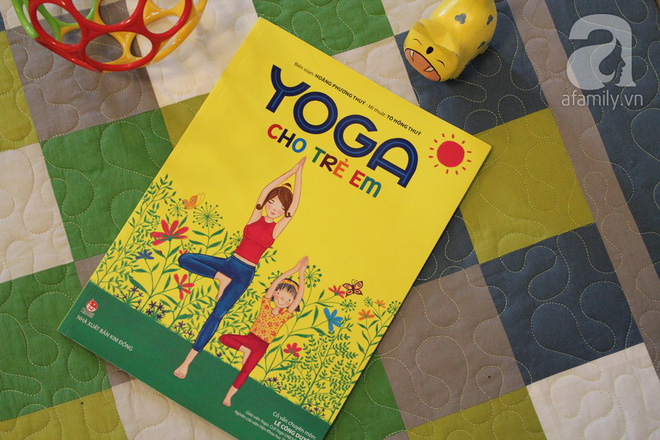 12 động tác yoga giúp trẻ tăng khả năng tập trung, điều cực kì cần thiết khi vào lớp 1 - Ảnh 1.