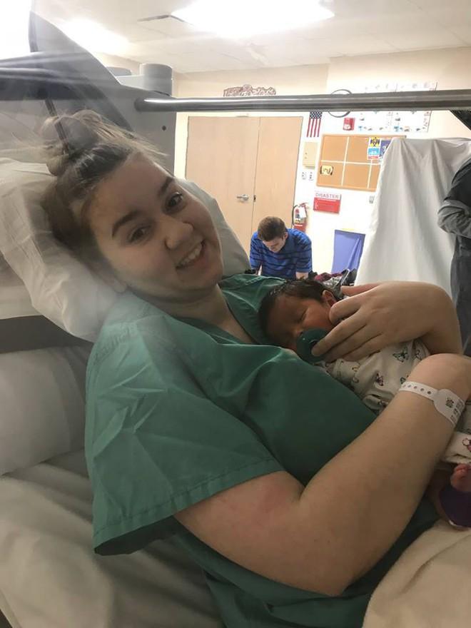 Cả nhà nhức đầu, buồn nôn, con gái 5 ngày tuổi ngủ li bì, mẹ không ngờ họ bị nhiễm độc từ một đồ dùng trong nhà - Ảnh 2.