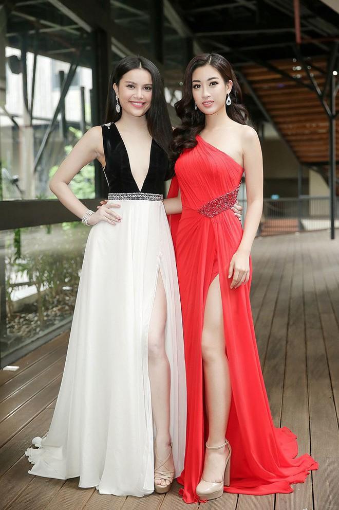 Cùng diện váy đỏ gợi cảm, Dương Tú Anh đẹp trong trẻo trong khi Đỗ Mỹ Linh lại lộng lẫy gợi cảm - Ảnh 6.