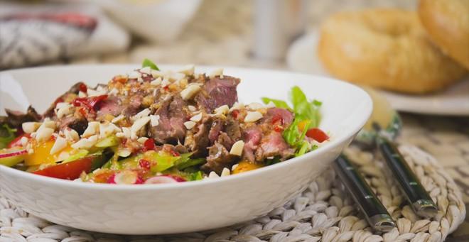 Salad bít tết làm nhanh ăn ngon hấp dẫn cực kỳ - Ảnh 9.