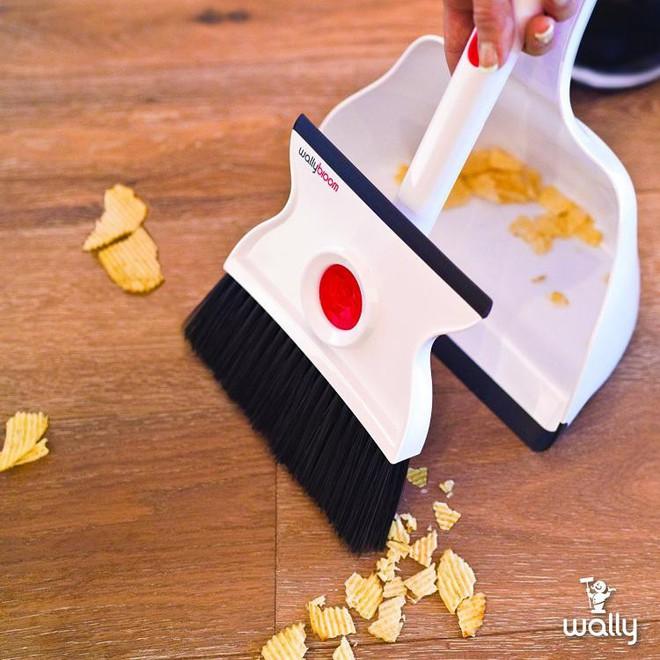 Dọn dẹp sạch sẽ mọi vết bẩn với bộ chổi đa năng vừa lau vừa quét này - Ảnh 3.