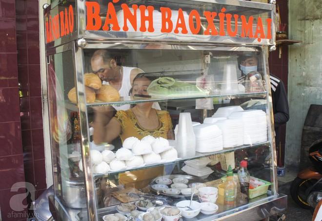 Tiệm dimsum bình dân siêu rẻ, chỉ 10 ngàn/ đĩa mà chất lượng chẳng kém ai, chuẩn vị người Hoa xưa ở Sài Gòn - Ảnh 1.