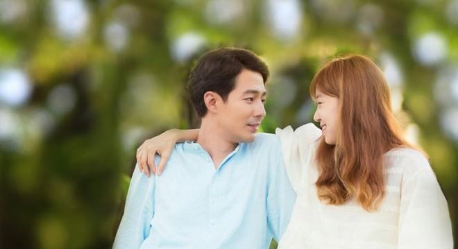 Khoa học chứng minh: Hôn nhân càng hạnh phúc, vợ chồng càng thi nhau phát tướng - Ảnh 1.
