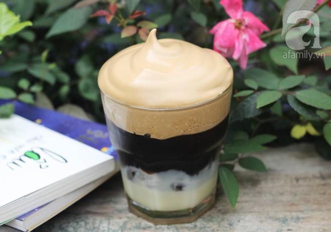Học ngay cách làm cà phê bọt - Thức uống đang hot rần rần khắp mạng xã hội  - Ảnh 1.