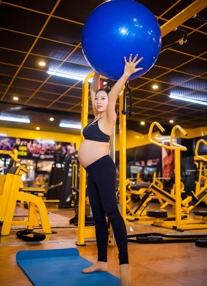Vòng eo giảm từ 85cm xuống 65cm sau 2 tháng, đây là cách giảm cân sau sinh siêu đẳng của bà mẹ trẻ - Ảnh 10.