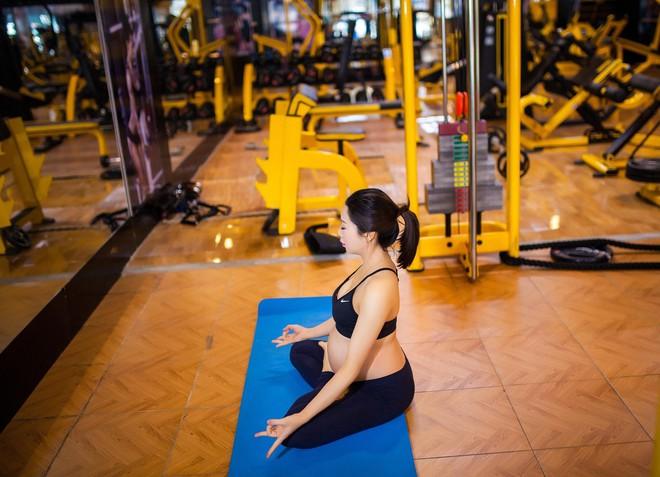 Vòng eo giảm từ 85cm xuống 65cm sau 2 tháng, đây là cách giảm cân sau sinh siêu đẳng của bà mẹ trẻ - Ảnh 16.